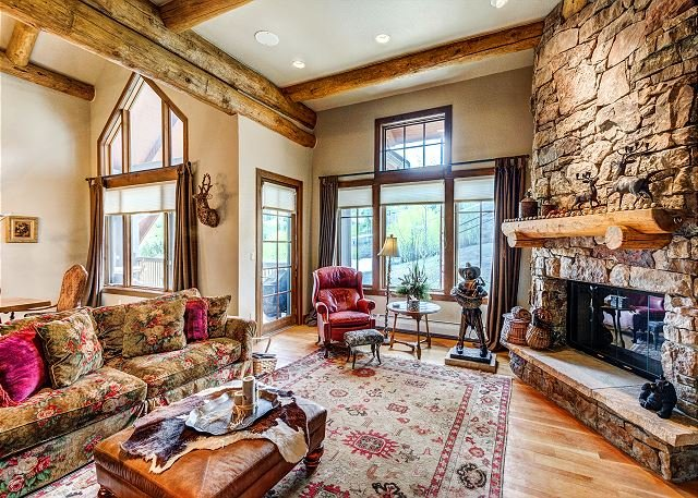 Living Room - Amazing 4BR Bear Paw Lodge Penthouse, Ski In/Ski Out in Bachelor Gulch - Avon - rentals