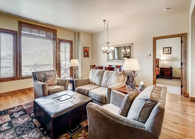 Living Room - Platinum Rated Ski In/Ski Out 2BR Beaver Creek Landing Condo in Beaver Creek - Avon - rentals