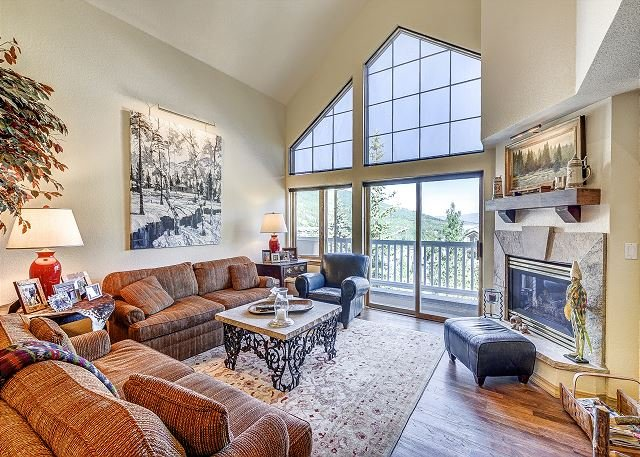 Living Room - Gorgeous 4BR St. James Place Penthouse In The Heart of Beaver Creek Village - Avon - rentals