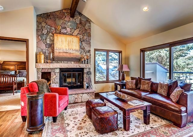 Living Room - Beautiful 4BR Arrowhead Village Residence With Sweeping Golf Course Views - Edwards - rentals