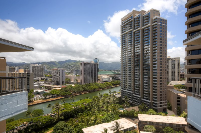 Welcome to Honolulu, Hawaii! - Best Location in Waikiki! 3BR Ocean View Honolulu Condo Walking Distance from the Beach - Honolulu - rentals