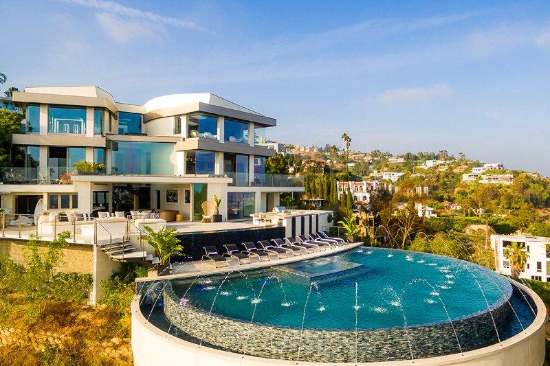 Mar Heights, Sleeps 9 - Image 1 - Los Angeles - rentals