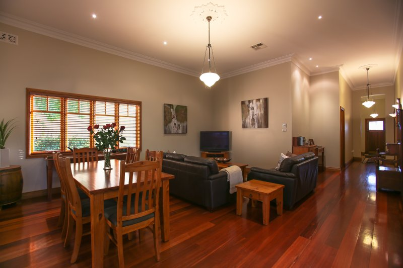 Dining and Living area - Centro Perth Short Stay - Perth - rentals