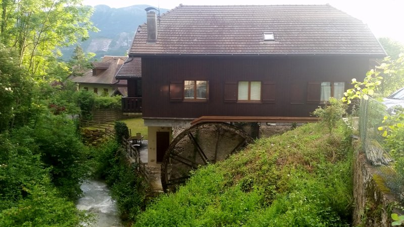 Unique beautiful river house  - Luxury 16c. Saw Mill, Talloires, Lake Annecy - Annecy - rentals