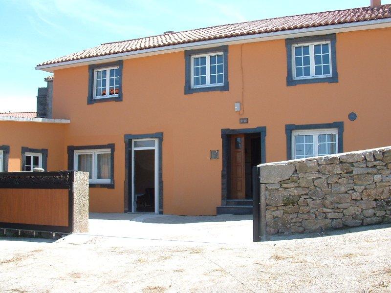 Cozy townhouse located in peaceful, quiet village on Costa da Morte - Image 1 - Muxia - rentals