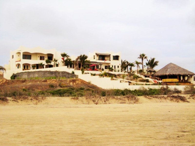 Casablanca Beachfront Villa, Built 2011 - Villa Casablanca rent 1 up to 3 private Casitas - Todos Santos - rentals