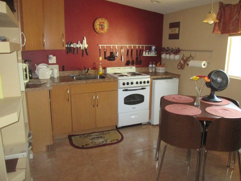 Full Kitchen - Elegant 1 BR Vacation Apartment in Tempe - Tempe - rentals