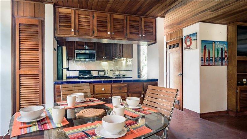 Contadora - Family villa: ideal location, private beach access & pool. - Image 1 - Contadora Island - rentals