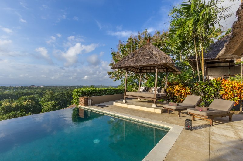 Bayu, luxury 4 Bedroom Villa, car + driver, magnificent ocean views, Uluwatu - Image 1 - Uluwatu - rentals