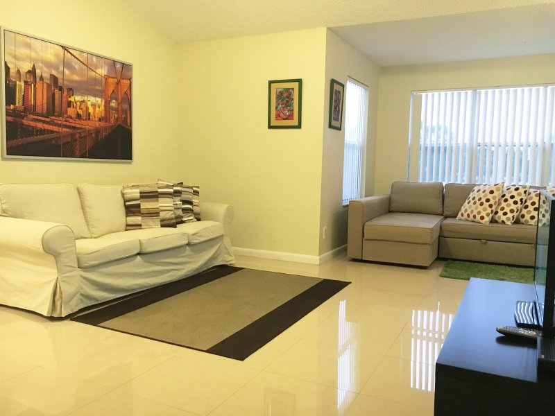 NEW APARTMENT AT SAWGRASS MALL SUNRISE, FL - Image 1 - Plantation - rentals