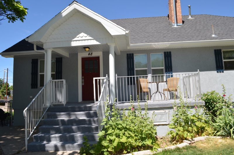 Front of the Cottage - Pets welcome, within walking distance of Festival - Cedar City - rentals