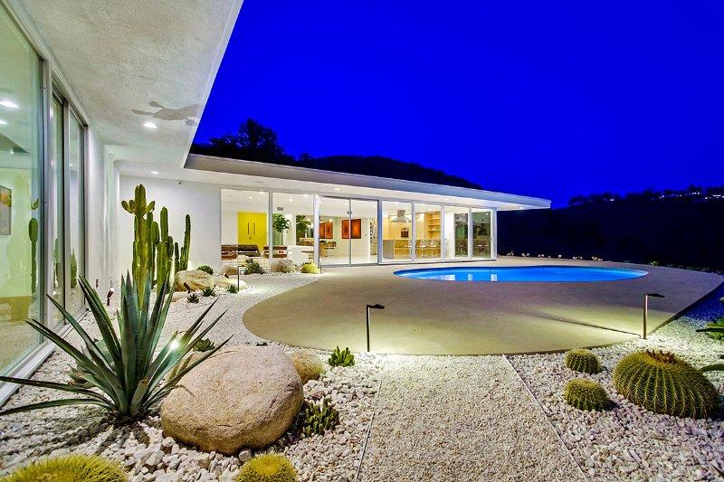 Bel Air Mid-Century, Sleeps 6 - Image 1 - Westwood  Los Angeles County - rentals