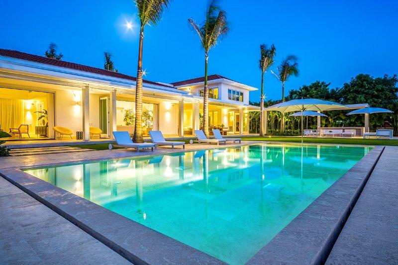 Villa Palmas 11, Sleeps 14 - Image 1 - Altos Dechavon - rentals