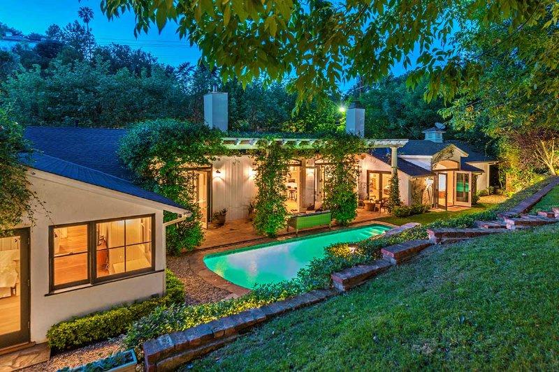 Allure, Sleeps 6 - Image 1 - Beverly Hills - rentals