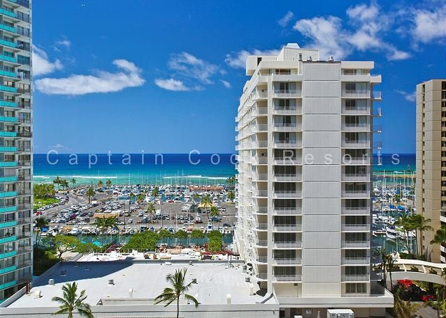 GREAT location!  Marina view!  Washer/dryer, AC, WiFi and parking! - Image 1 - Waikiki - rentals