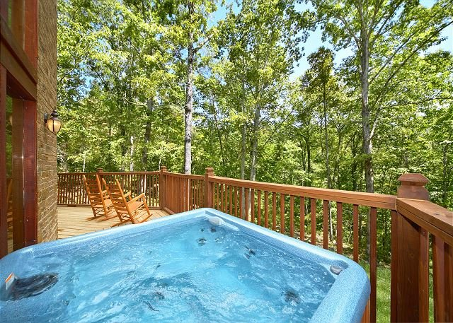 2 Bedroom Luxury Cabin with 28 Foot Ceilings and 18 foot Rain Tower Shower - Image 1 - Gatlinburg - rentals
