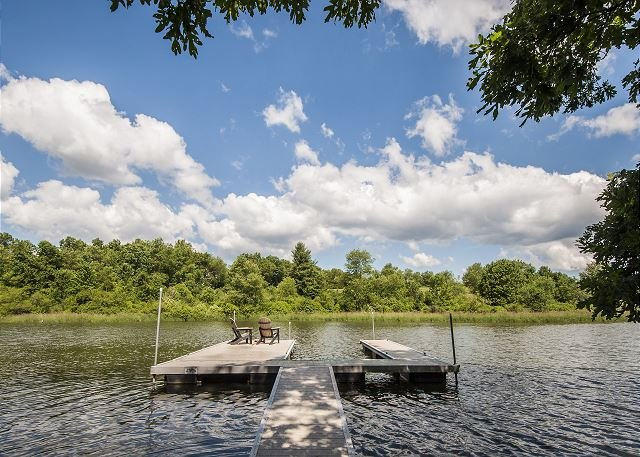Private Dock - Amazing 3 bedroom lakefront home with private dock! - Oakland - rentals
