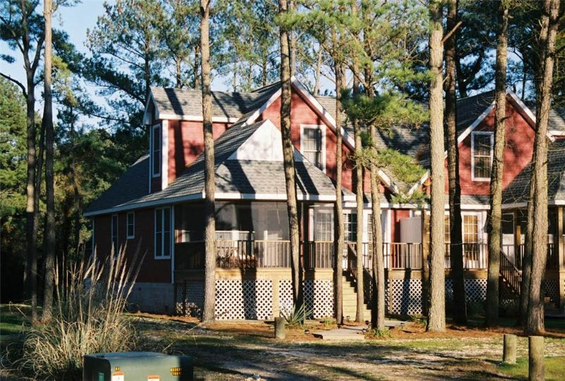 Whispering Pines - Image 1 - Chincoteague Island - rentals