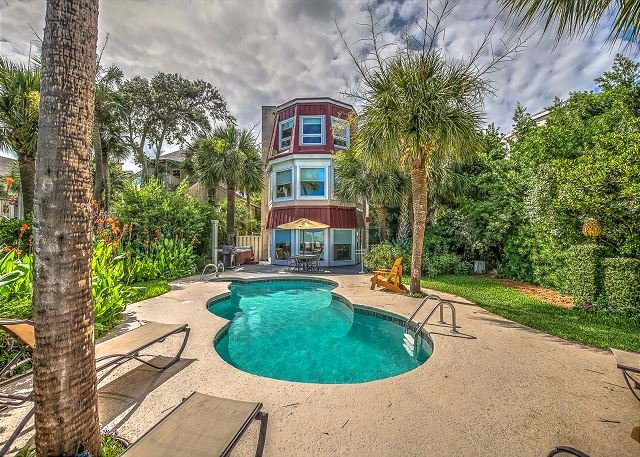 Exterior - 124 N Forest Beach Ct-Oceanfront, Pool & Hot Tub- Available 8/27 & Sept Weeks - Hilton Head - rentals