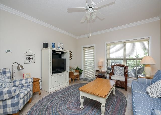 Living ARea - 404 North Shore Place-Bright and airy 4th Floor Villa-100 yards to the beach. - Hilton Head - rentals