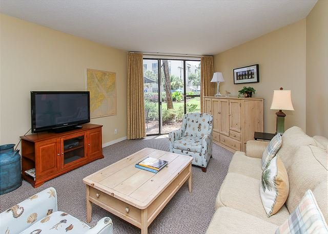 Living Area - 220 Shorewood - STEPS TO POOL & OCEAN - Grounds to Pool View. - Hilton Head - rentals