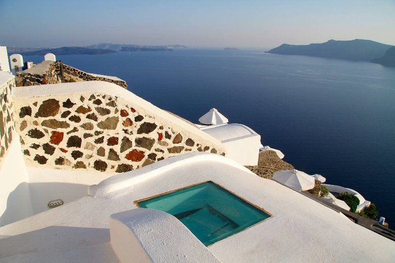 Blue Villas | Hyacinth| A dreamy luxury in Oia - Image 1 - Oia - rentals
