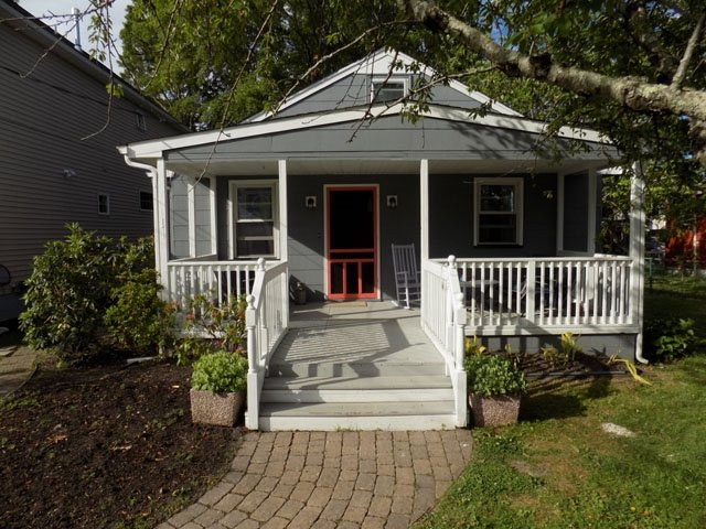 PET FRIENDLY RENOVATED BEACH COTTAGE 131392 - Image 1 - Cape May - rentals