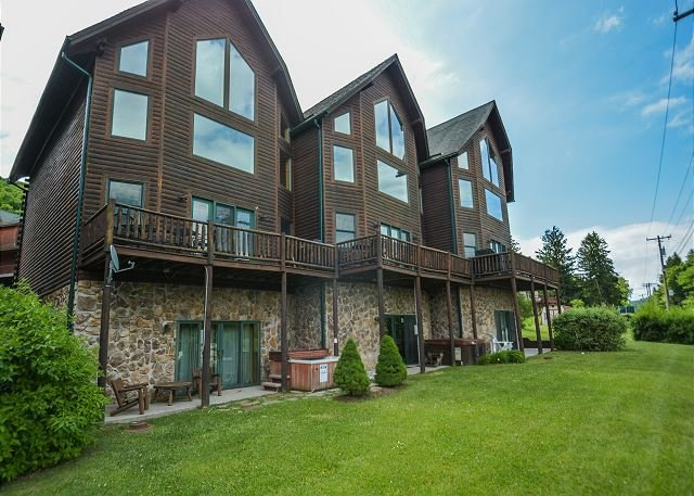 Exterior - Marvelous 4 Bedroom Premiere townhome with hot tub & ski slope views! - McHenry - rentals