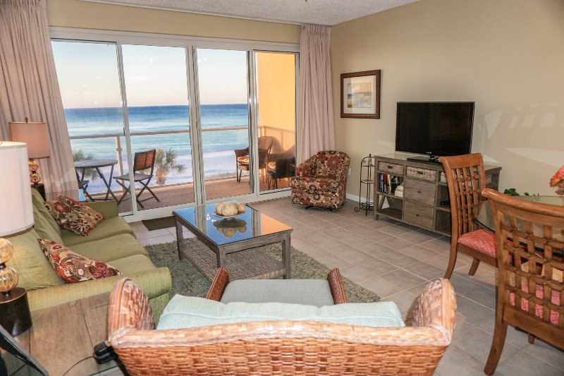 Gulf-front newly renovated beach condo - Beachfront - Renovated 2BR/2BA -Free Beach Service - Destin - rentals