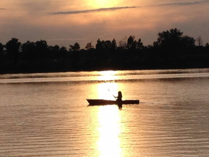 Kayaking on Squire Bay at sunset. - BOOK FALL FOLIAGE STAYS NOW !!! - North Hero - rentals