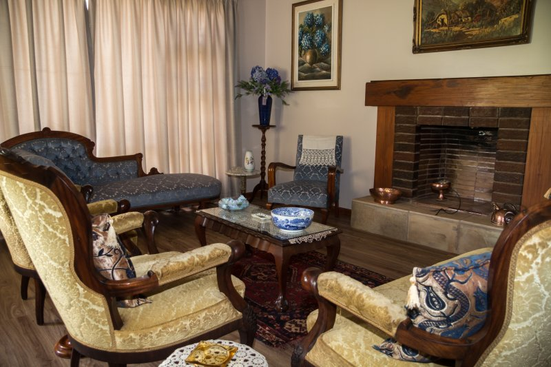 dining siting area for guest - Lalani B&B./self catering cottages - Riversdale - rentals