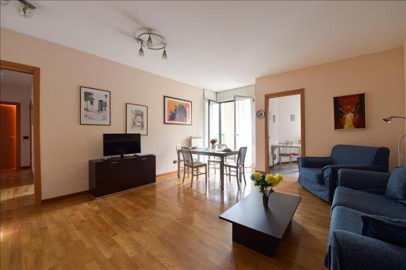 Bright 2bdr apt w/terrace - Image 1 - Milan - rentals