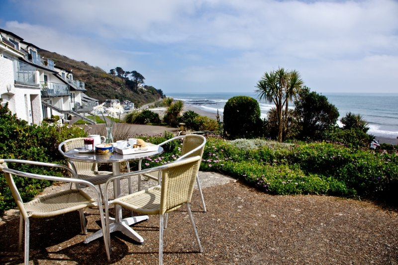 2 Mount Brioni located in Seaton, Cornwall - Image 1 - Looe - rentals