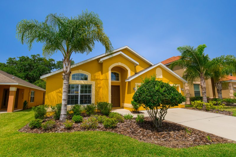 View of villa from street - Mickey's Ritz- Luxury 4 Bed, 3 Bath + Pool/Spa - Kissimmee - rentals