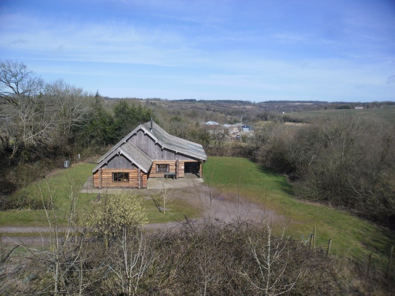 Tamarack lodge situated on the slopes of the beautiful Yarty Valley  - Luxurious log cabin on Blackdown Hills Somerset - Chard - rentals