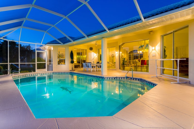 Spacious pool area - Villa Sunshine - Cape Coral - rentals