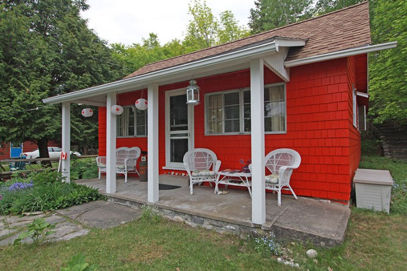 Hearts and Roses cottage (#1080) - Image 1 - Dyers Bay - rentals