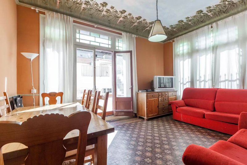 Bright living area! - ROYAL TERRACE, by las Ramblas, up to 9! - Barcelona - rentals