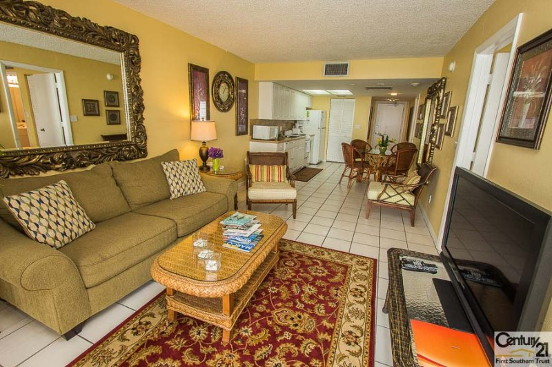 Living Area - SeaWin 1203 - Sea Winds - Marco Island - rentals