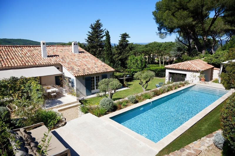 Villa René  holiday vacation large villa rental france, var, st. tropez, french riviera, pool, air conditioning, short term long ter - Image 1 - Saint-Tropez - rentals