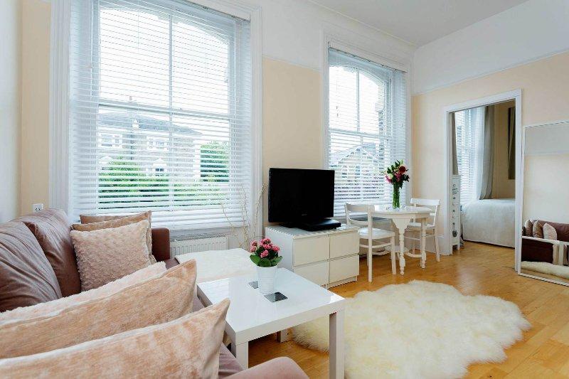 Cosy 1 bedroom Highbury flat, sleeping 2 - Image 1 - London - rentals