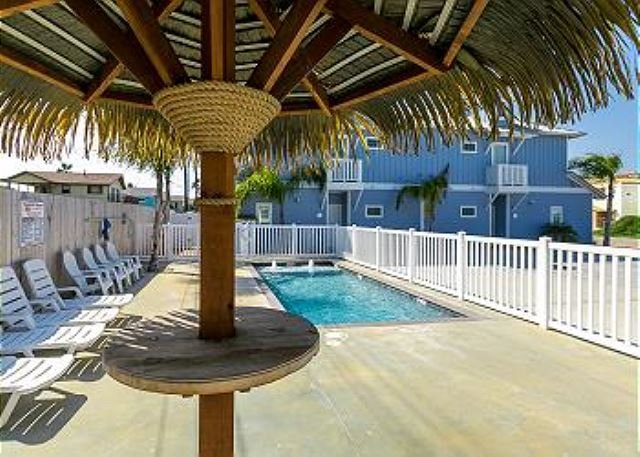 Cockles Cottage: Coastal 3bed, 2 bath Home with Pool, Close to Beach, Pets - Image 1 - Port Aransas - rentals