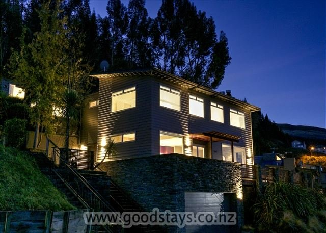Winnie's Rest and Studio - Image 1 - Queenstown - rentals