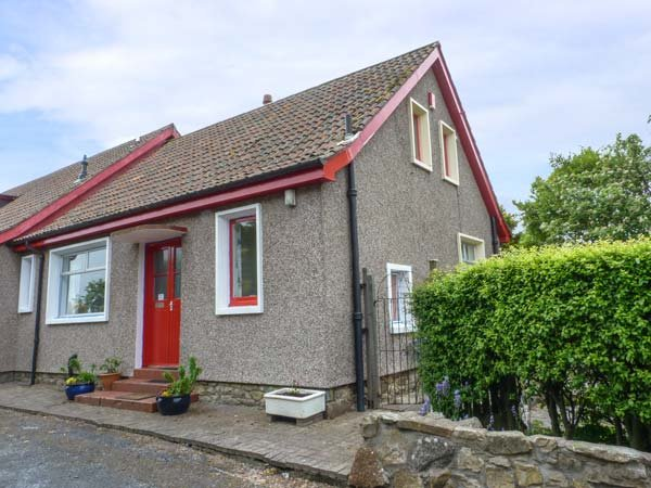 RENNYHILL FARM LODGE, semi-detached, all ground floor, parking, garden, in Anstruther, Ref 6986 - Image 1 - Anstruther - rentals