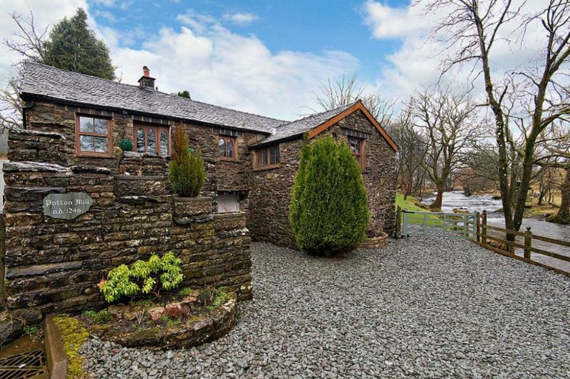 RIVER VIEW COTTAGE, Patton Mill - Image 1 - Selside - rentals
