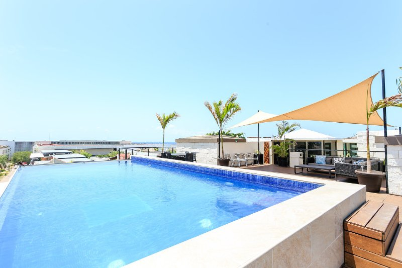 The Pool - 2 bdr condo, great locat, rooftop pool w/sea views - Playa del Carmen - rentals