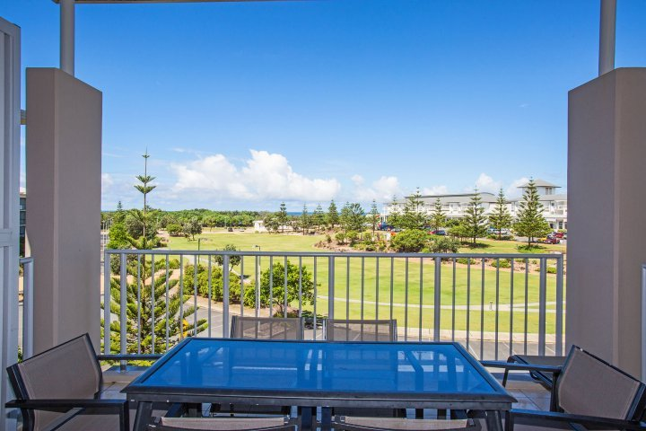 PEP2304 OCEAN VIEW 3 BEDROOM APARTMENT - Image 1 - Kingscliff - rentals