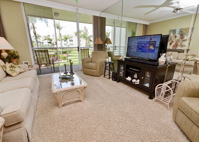 Bahia Vista 12- 246 Exquisite 2nd Floor at Isla Del Sol with Amazing Kitchen! - Image 1 - Saint Petersburg - rentals