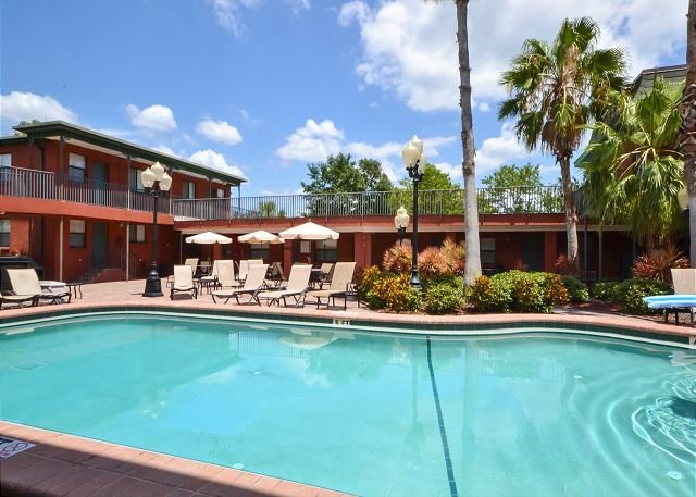 Royal Orleans courtyard and pool - Royal Orleans 106  Redington Beach Ground Floor- Poolside -Across from Gulf! - Redington Beach - rentals