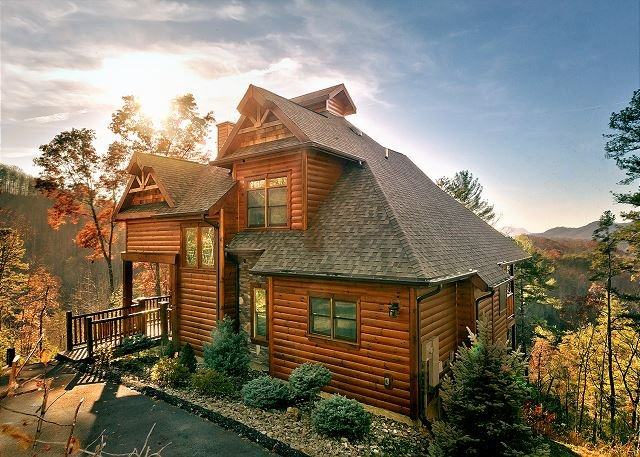 3 Bedroom Theater Cabin With Amazing Views, Covered Decks - Image 1 - Sevierville - rentals